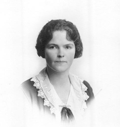 [Ruby Pearl Ethel Tucker Schweinshaut, my Grandmother,the Belle of Hartford CT]